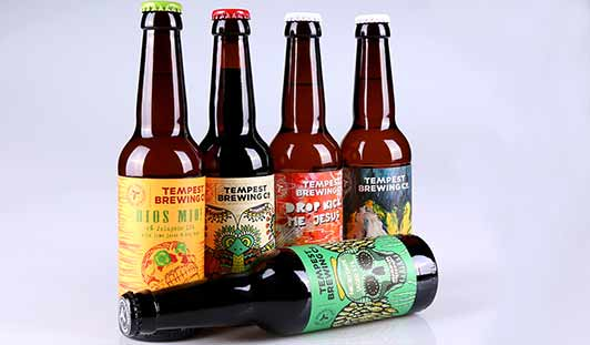 Bedrukte flessenhals-band, borst-etiketten en rugetiketten op rol voor bierflesjes van unieketiket.nl