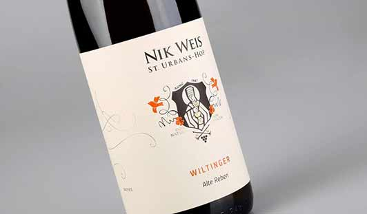Bedrukte wijnetiketten op rol van unieketiket.nl voor wijnflessen