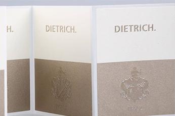 Zelfklevend mat wit papier voor etiketten op rol van unieketiket.nl