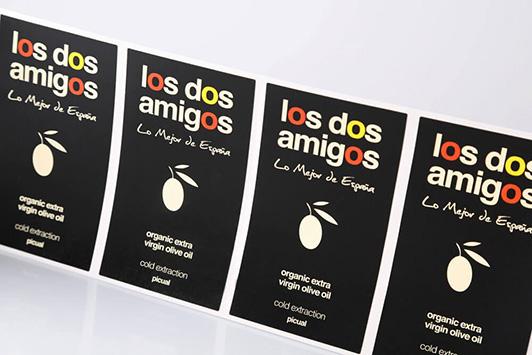 Bedrukte etiketten op rol van unieketiket.nl voor levensmiddelen